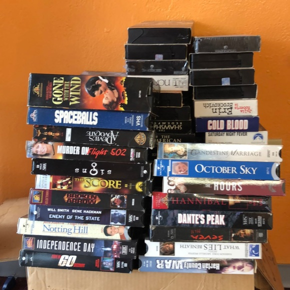vhs bundle sale  100 vhs tapes